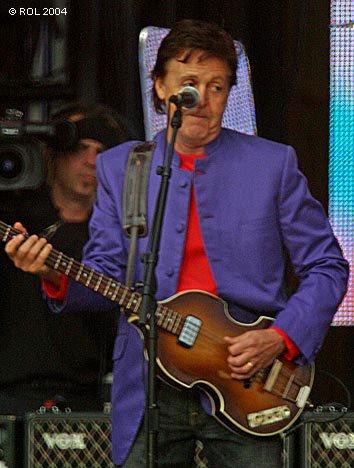 Paul McCartney - St.Petersburg - June 20, 2004 - photo by Nikita Pavlov