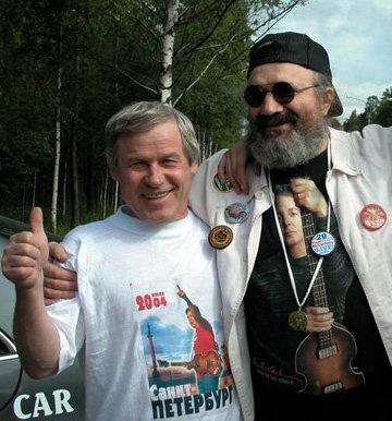 В.Попов и Коля Васин: хорошо сидим!