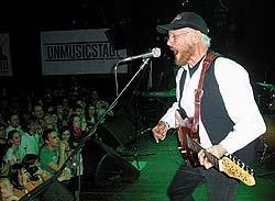 Хэдлайнером концерта стал британец Тони Шеридан, вместе с которым битлы начинали свою карьеру. Фото: АЛЕКСАНДР ЯКОВ