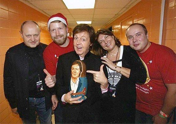 Алексей Богаевский (второй слева) с Полом Маккартни