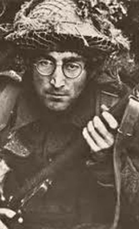 Кадр из фильма «Как я выиграл войну» (1966 г.). Там Леннон впервые надел свои круглые очки.