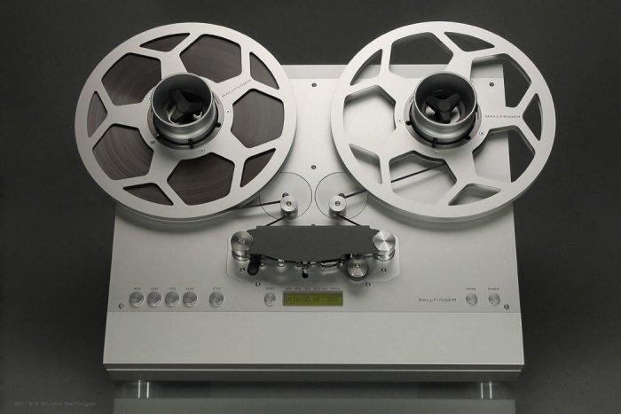 Роланд Шнайдер: «Слушать музыку — это больше, чем просто слушать файлы!»